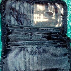 Vera Bradley blk & wht soft zippered wallet
